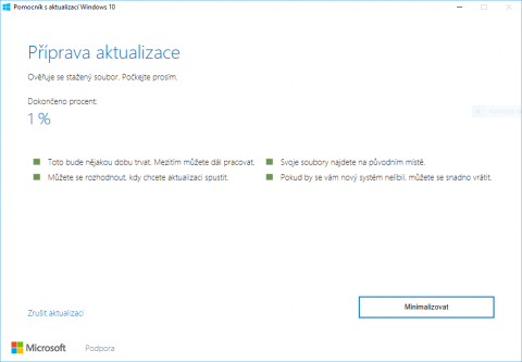 Průběh instalace Windows 10 Anniversary Update